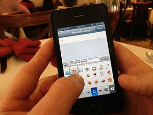 Texting_Emoji commons wikimedia